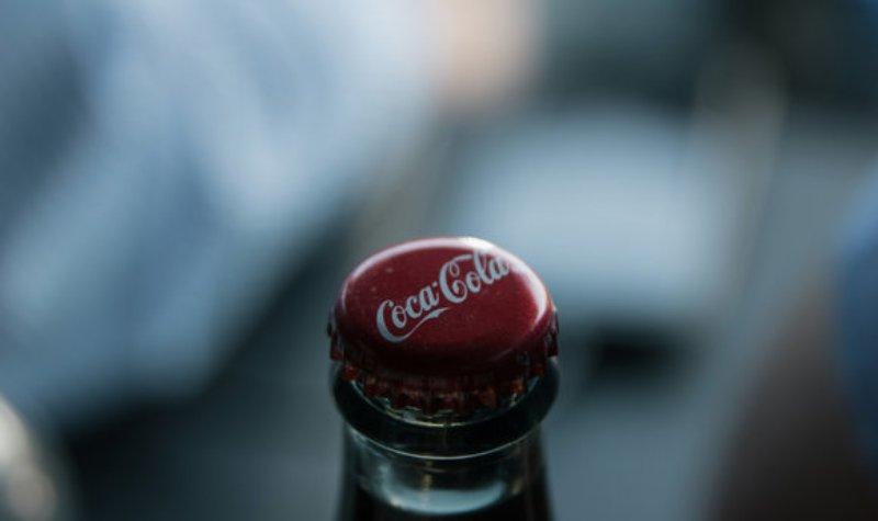 可口可乐这 智能 瓶盖,你会用来送圣诞祝福么图片
